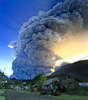 el-volcan-chaiten-haciendo-erupcion